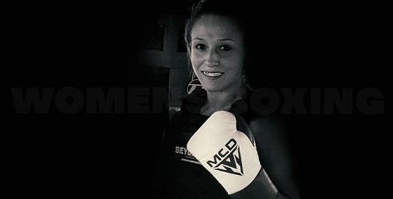 MCD Sports Women Boxing Gloves